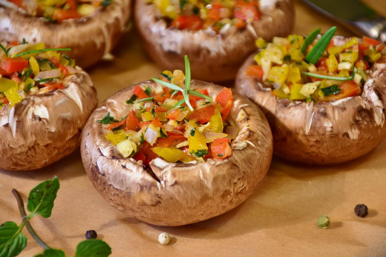 Pieczarki faszerowane warzywami